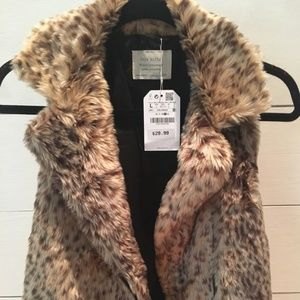 ZARA Girls Casual Collection Large Faux Fur Vest